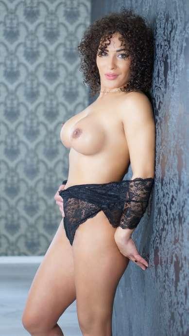 Raphaela photo 6